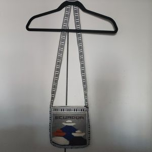 unknown Bags - NWOT - Woven purse